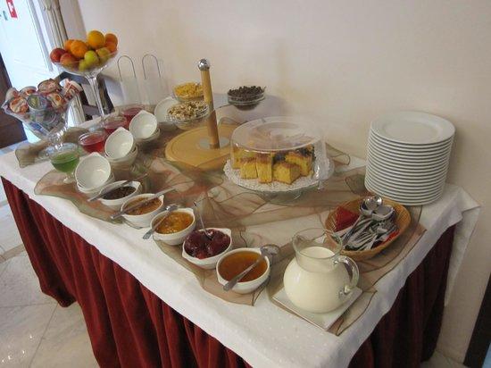 Apartamenty Shanti: Frühstücksbuffet