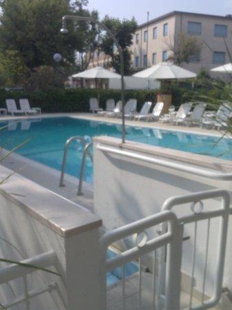 Biondi Hotels - Wivien e Canada: piscina