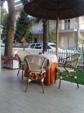 Biondi Hotels - Wivien e Canada: esterno