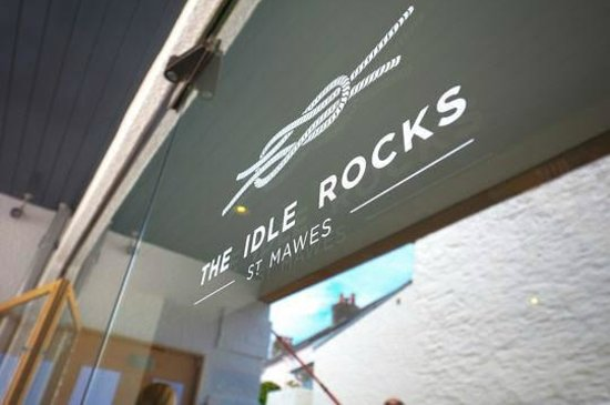 The Idle Rocks : The Front of the Hotel