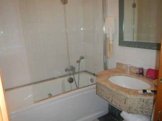 Relais Forus Inn: Sink