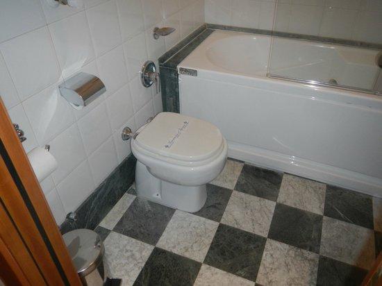 Relais Forus Inn: Toilet