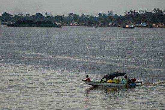 Samarinda, Indonesia: Suasana di Mahakam