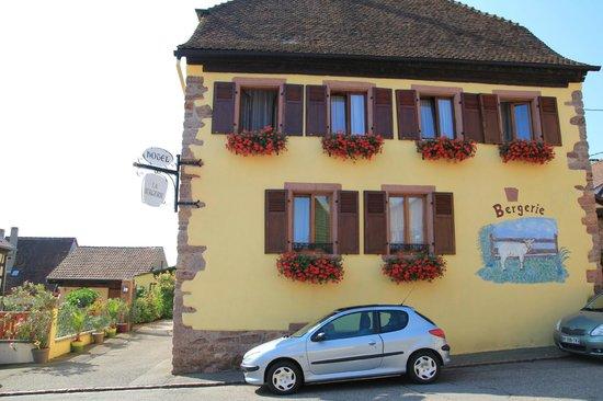 Hotel La Bergerie: outside