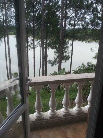 Dalat Edensee Resort & Spa: Blick auf den See