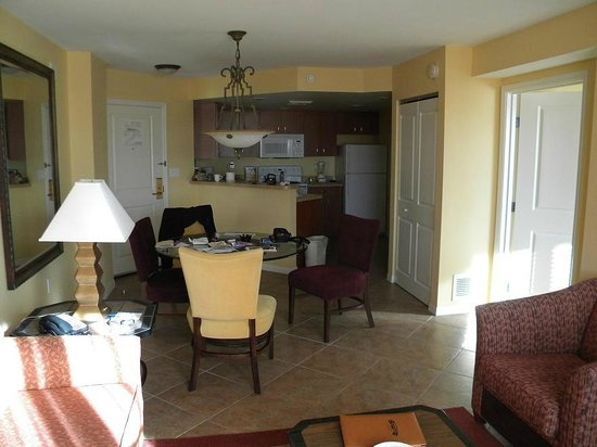 The Grandview at Las Vegas: dining area