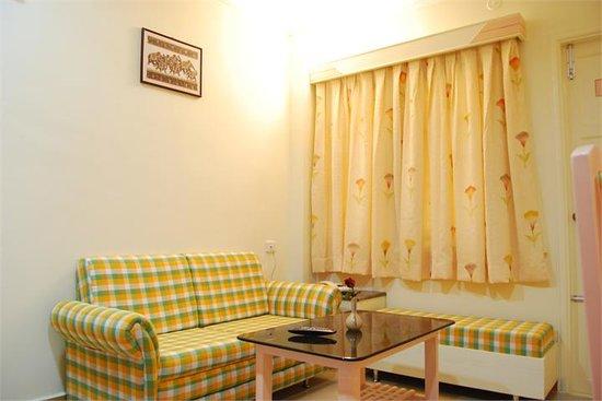 Lakshmi Residency Inn: sitting room
