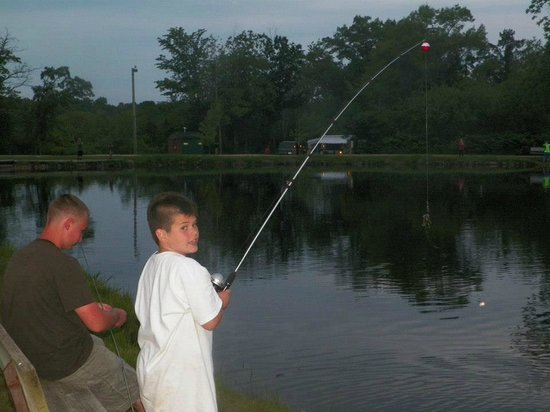 Indian Trails Campground : Fishing