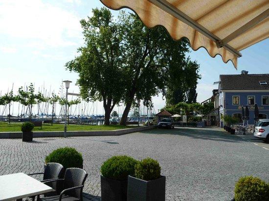 Ringhotel Schiff Am See: Blick auf den Vorplatz