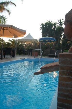 Park Hotel la Villa: piscina esterna