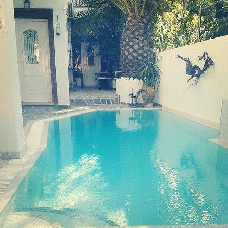 Galatia Villas: Χάρμα οφθαλμών η πισίνα !!!