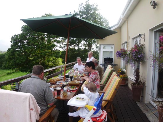Greenane House B&B : Barbecue at the balcony