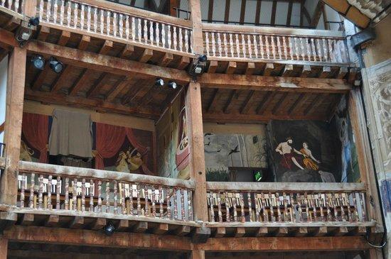 Particolari - Picture of Shakespeare's Globe Theatre ...