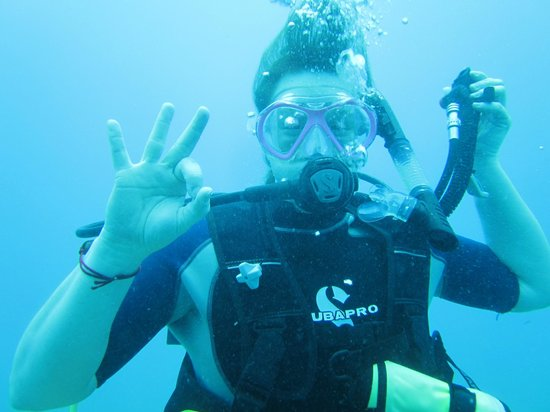 Sea Ventures Dive Center: Brandi