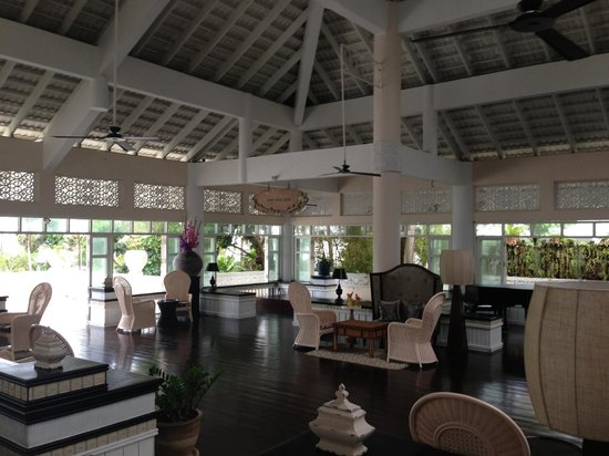 Thavorn Palm Beach Resort: A clean and serene tropical touch