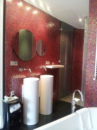 Eurostars BCN Design: Open Bathroom