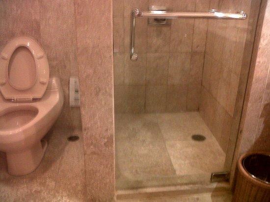 The Sultan Hotel & Residence Jakarta: bathroom