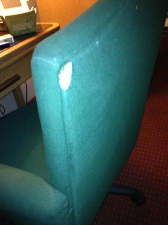 Days Inn & Suites Lancaster: chair hole