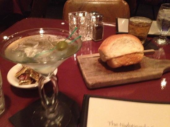 Nightingale Supper Club : good cocktails and homemade bread
