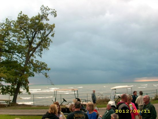 Point Breeze RV Resort: It was a stormy day but it blew right by Point Breeze!