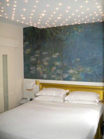 Le Petit Madeleine Hotel : soffitto