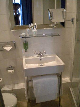 Le Petit Madeleine Hotel : bagno