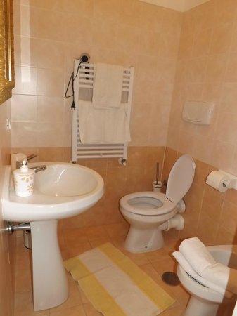 55 Inn : Bagno con doccia