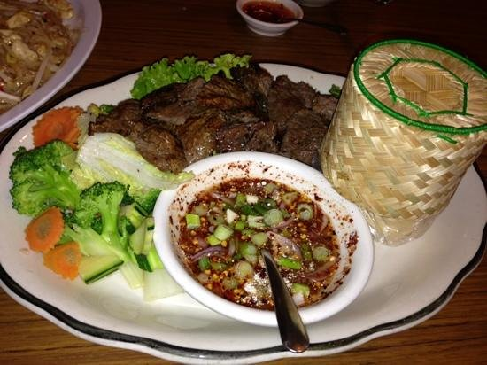 Thunwa Thai Cuisine : Crying Dragon Steak