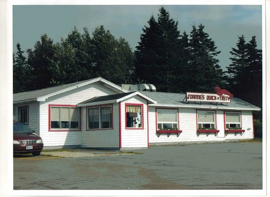 Jo-Anne's Quick-N-Tasty: The exterior