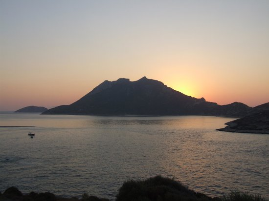 Aspes Village : Ηλιοβασίλεμα από τη βεράντα