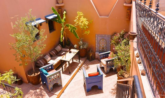 Riad Eva : terrace seating area