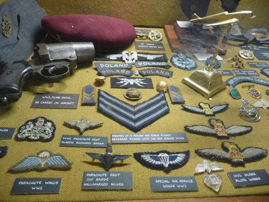 La Vallette Underground Military Museum: Display case
