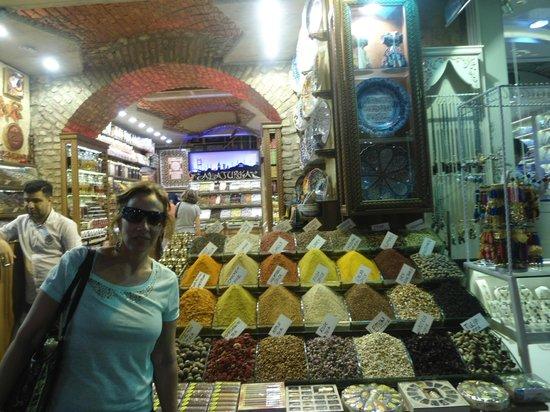 Kapali Carsi: As  especiarias  e  doces são  divinas  !!!!