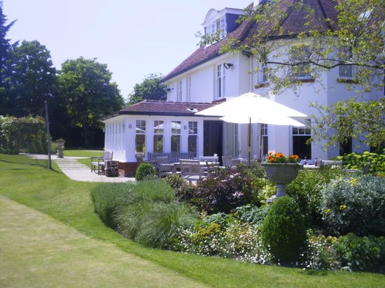 Park House Hotel & Spa: Terrace overlooking tennis courts