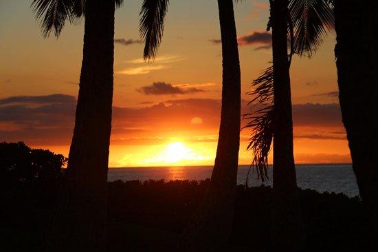 Marriott Ko Olina Beach Club: Sunset at KoOlina, view from the room