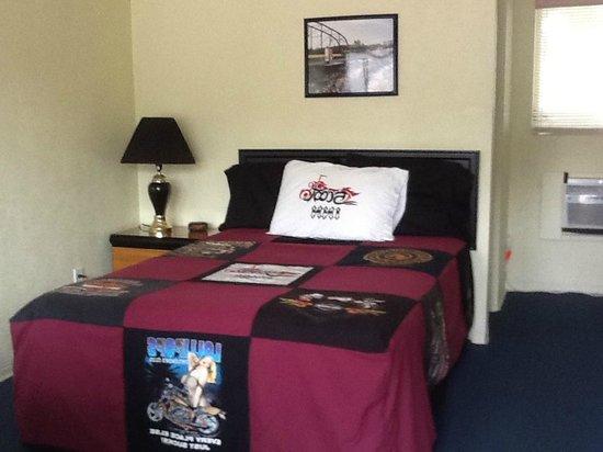 Scoot Inn Motel: Single Room