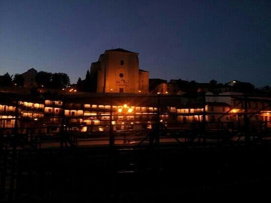 Hotel Rural Casa de la Marquesa: plaza de chinchon por la noche