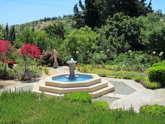Quinta Bonita Luxury Boutique Hotel: just a small part of the extensive gardens