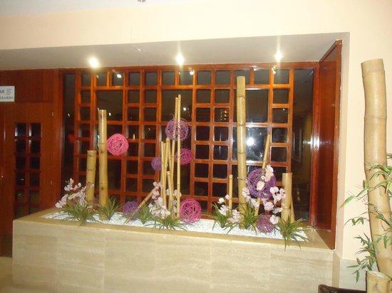 Best Maritim: Eingang zur Hotelbar