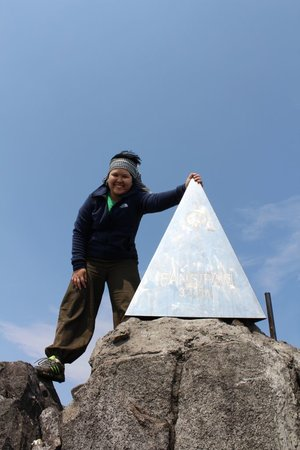 Fansipan Mountain : You see the cubic, you know you reach the peak!