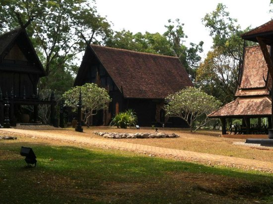 Black arts! - Picture of Baan Dam Museum, Chiang Rai ...