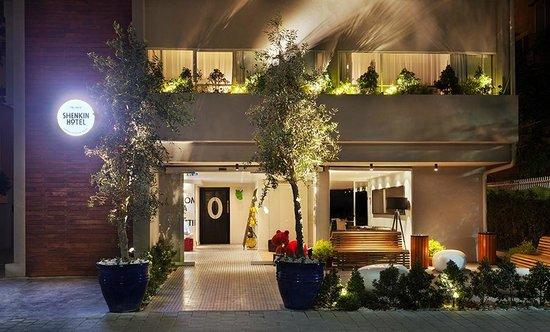Shenkin Hotel: Hotel Facade