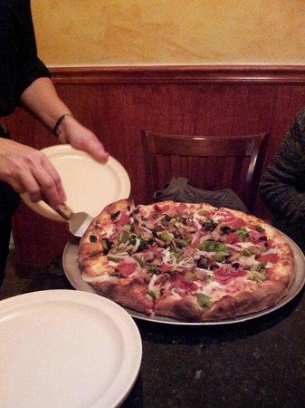 """Francesco's New York PIzzeria & Restaurant: """"everything"""" size:med US$17.25"""