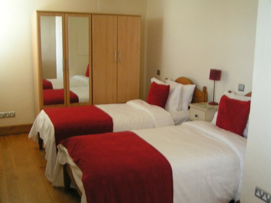 Amani Luxury Self-Catering Apartments: Twin bedroom in 4 bedroom houe