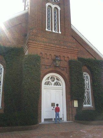 Washington and Lee University : chapel was closed.... booo