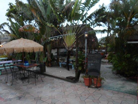 Havana Hideout: Outside Dinning