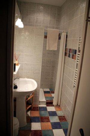Domaine de Rhodes: Suite Degas bathroom