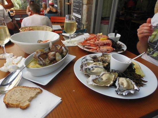 Huitres palourdes et langoustines picture of le bistrot for Restaurant au croisic