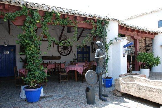 Venta del Quijote : D. Quijote velando las armas