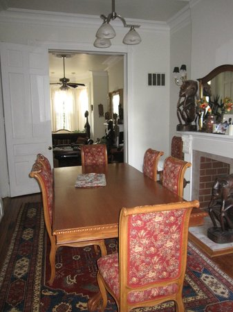 Cardozo Guest House: Dining room on the first floor